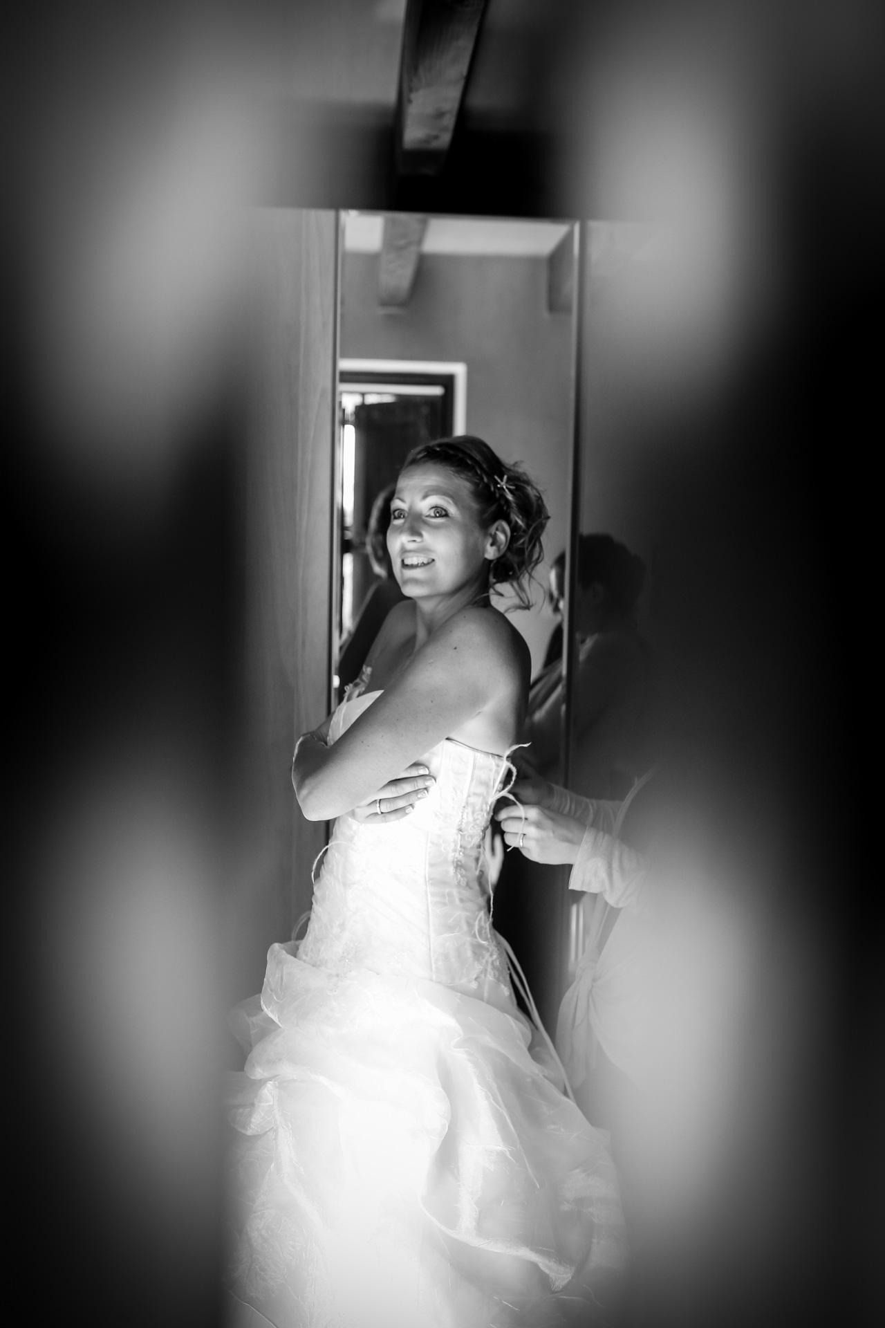 portrait de la mariee entre deux volets