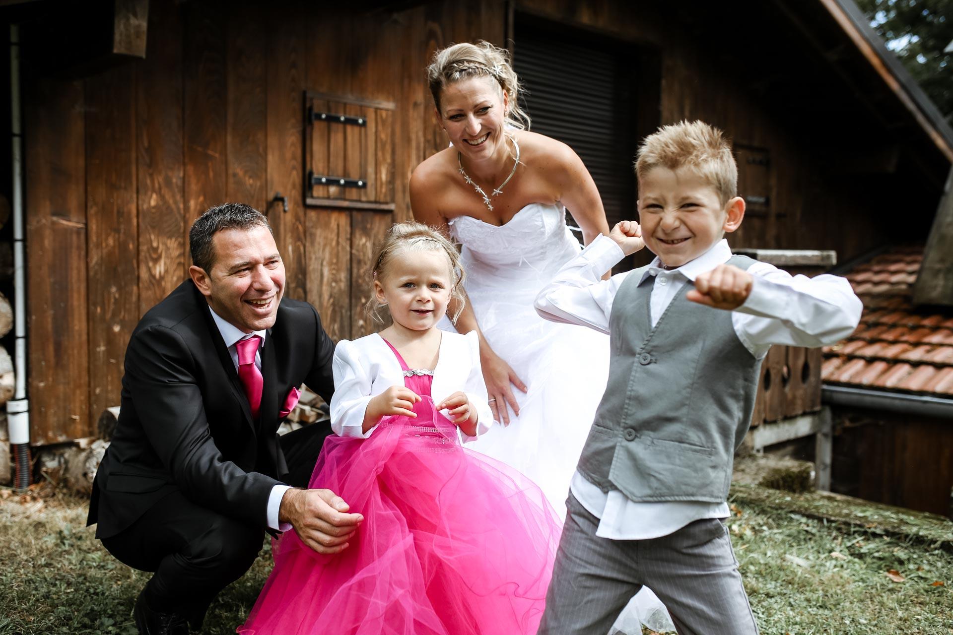 mariage en famille a Loulans