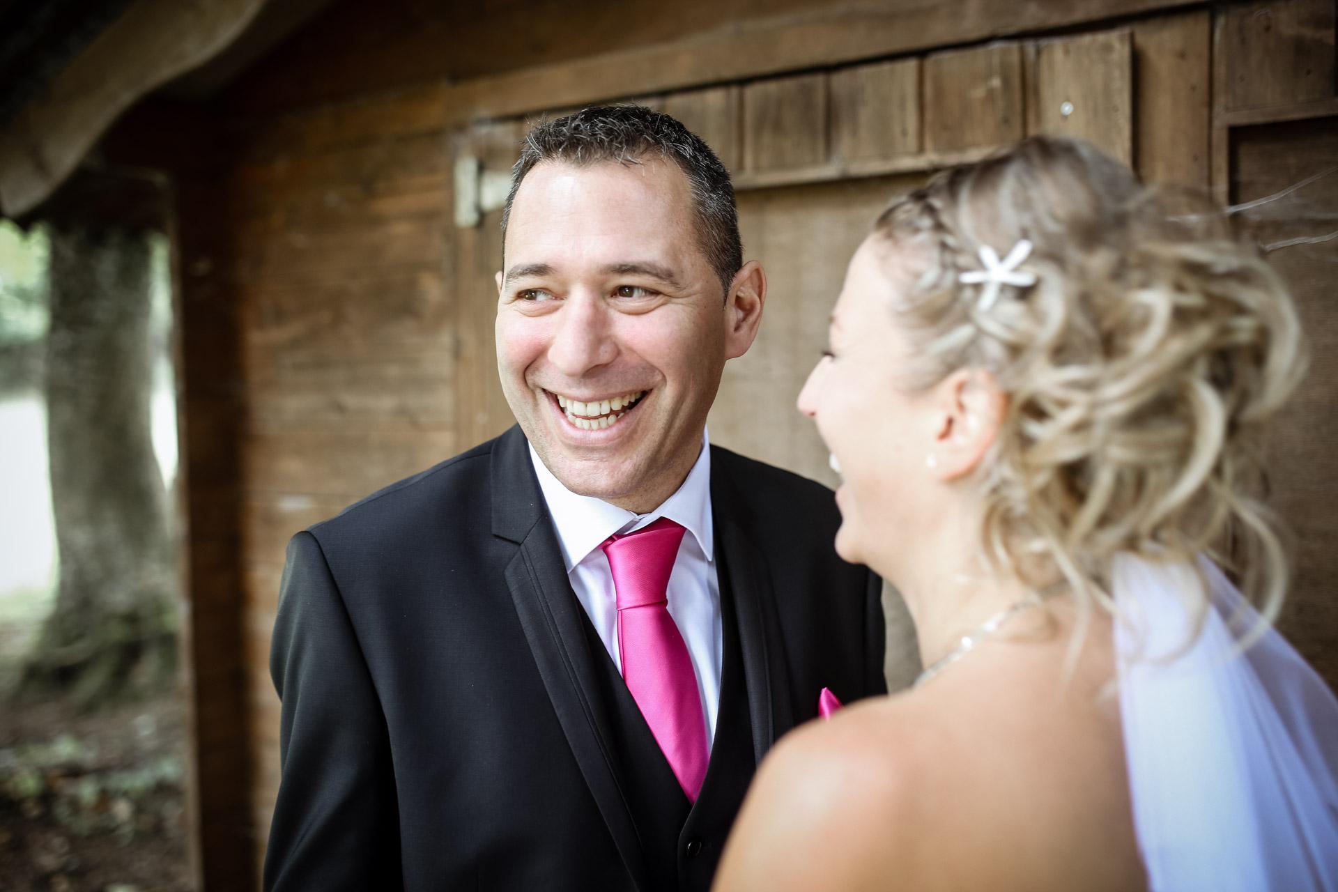 rire du mariée spontané