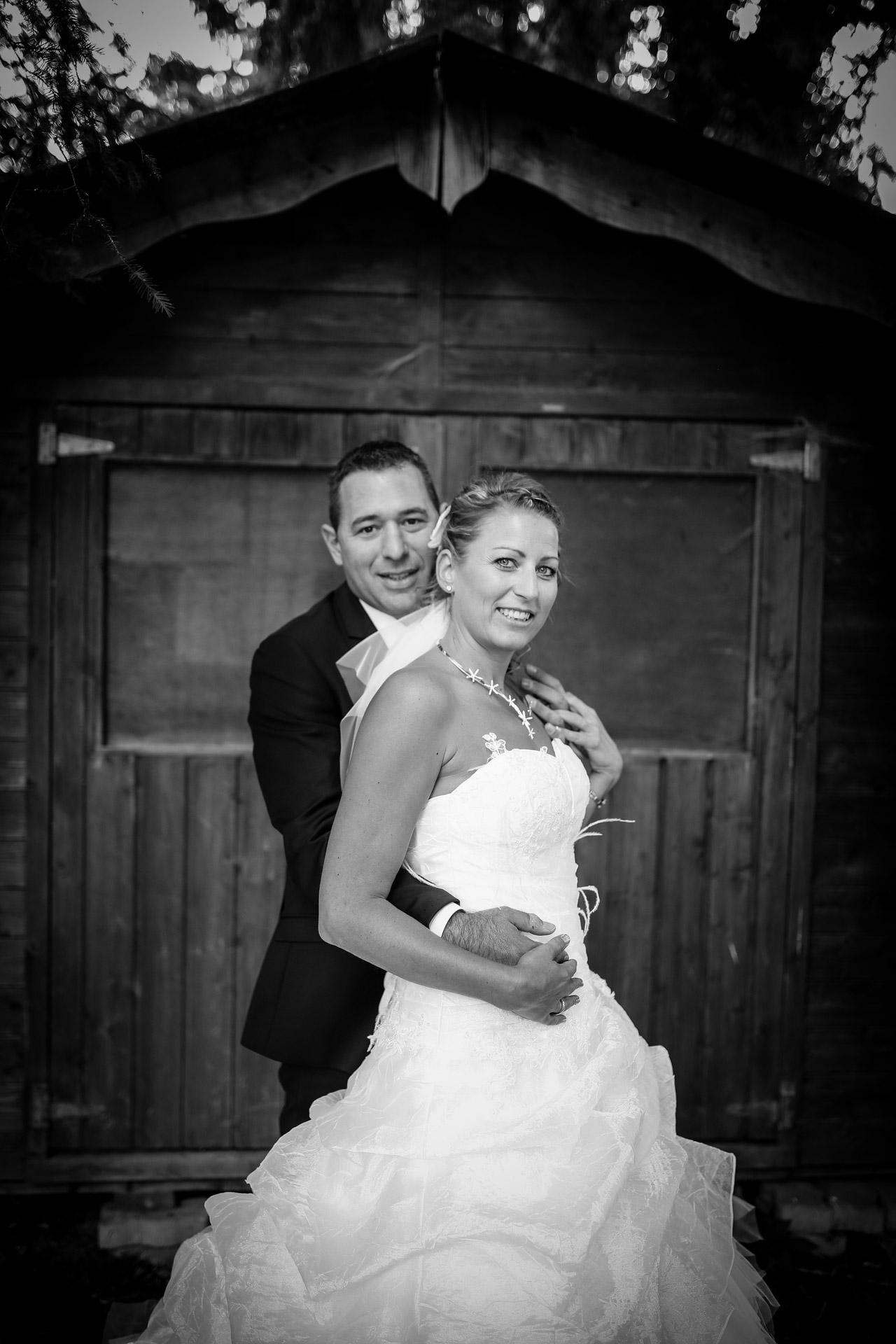 photos de couple en noir et blanc