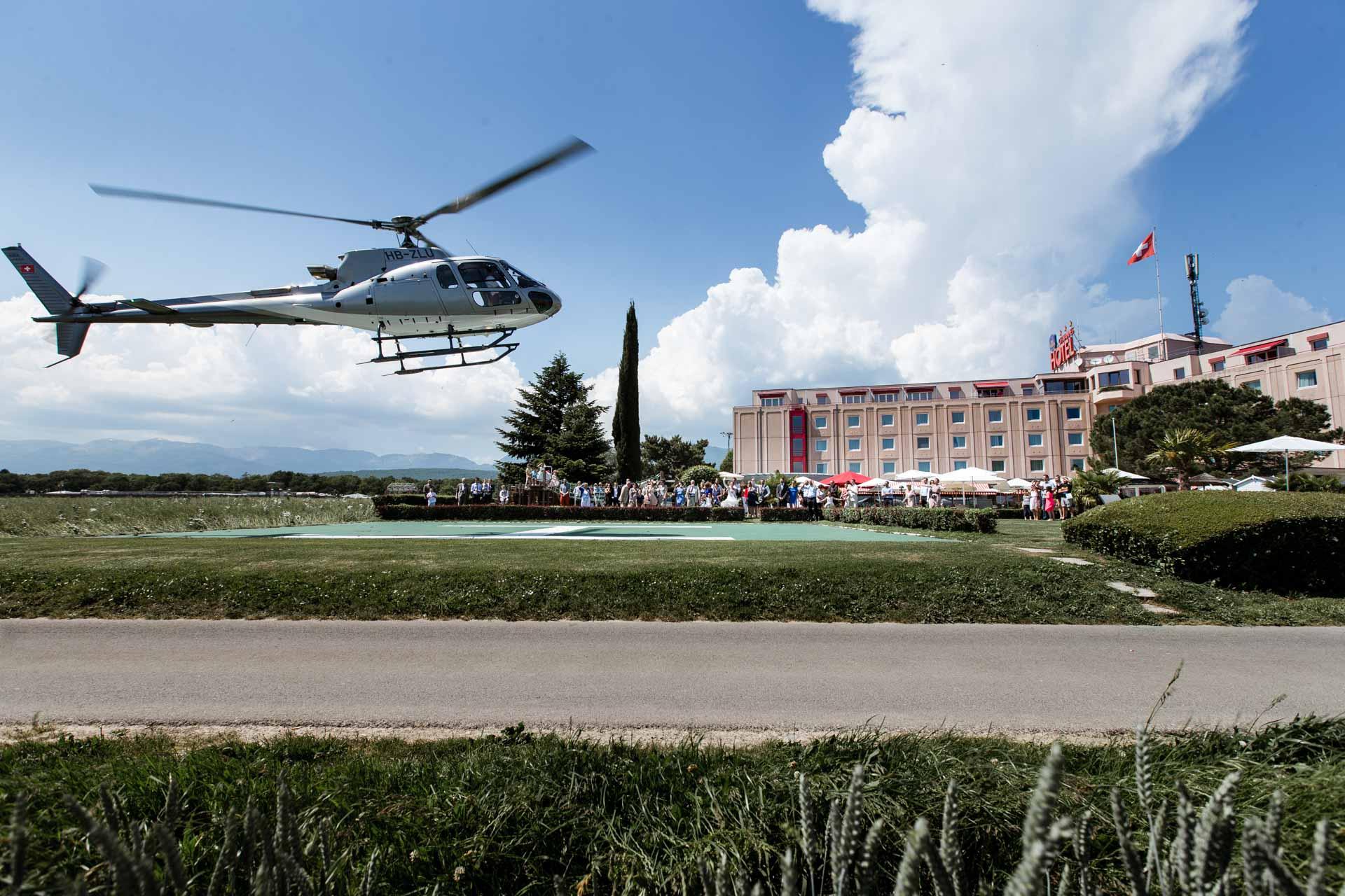 Mariage Helicoptere Chavannes Best Western en vol