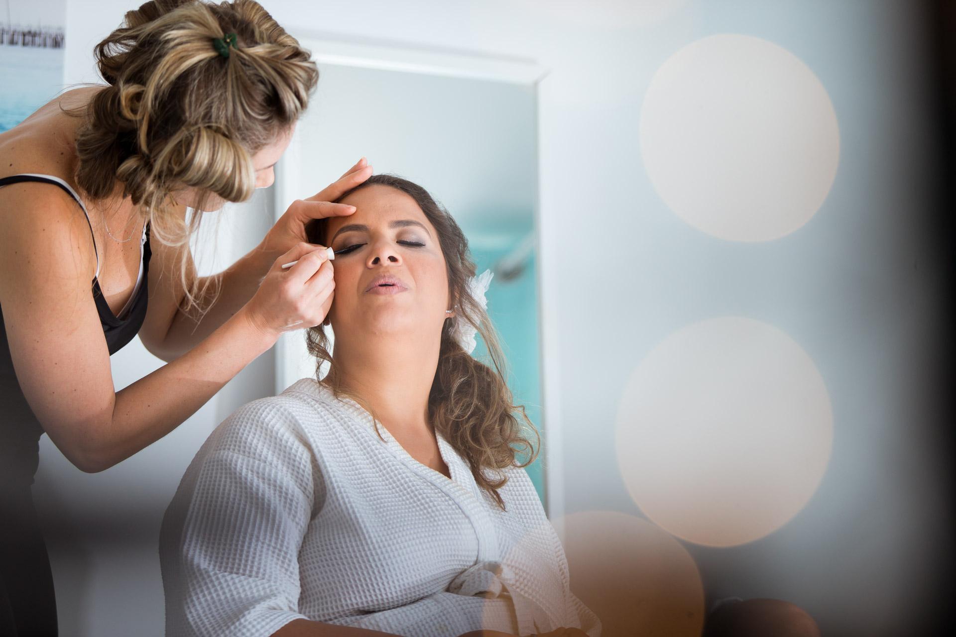 maquillage mariee avec effet bokeh