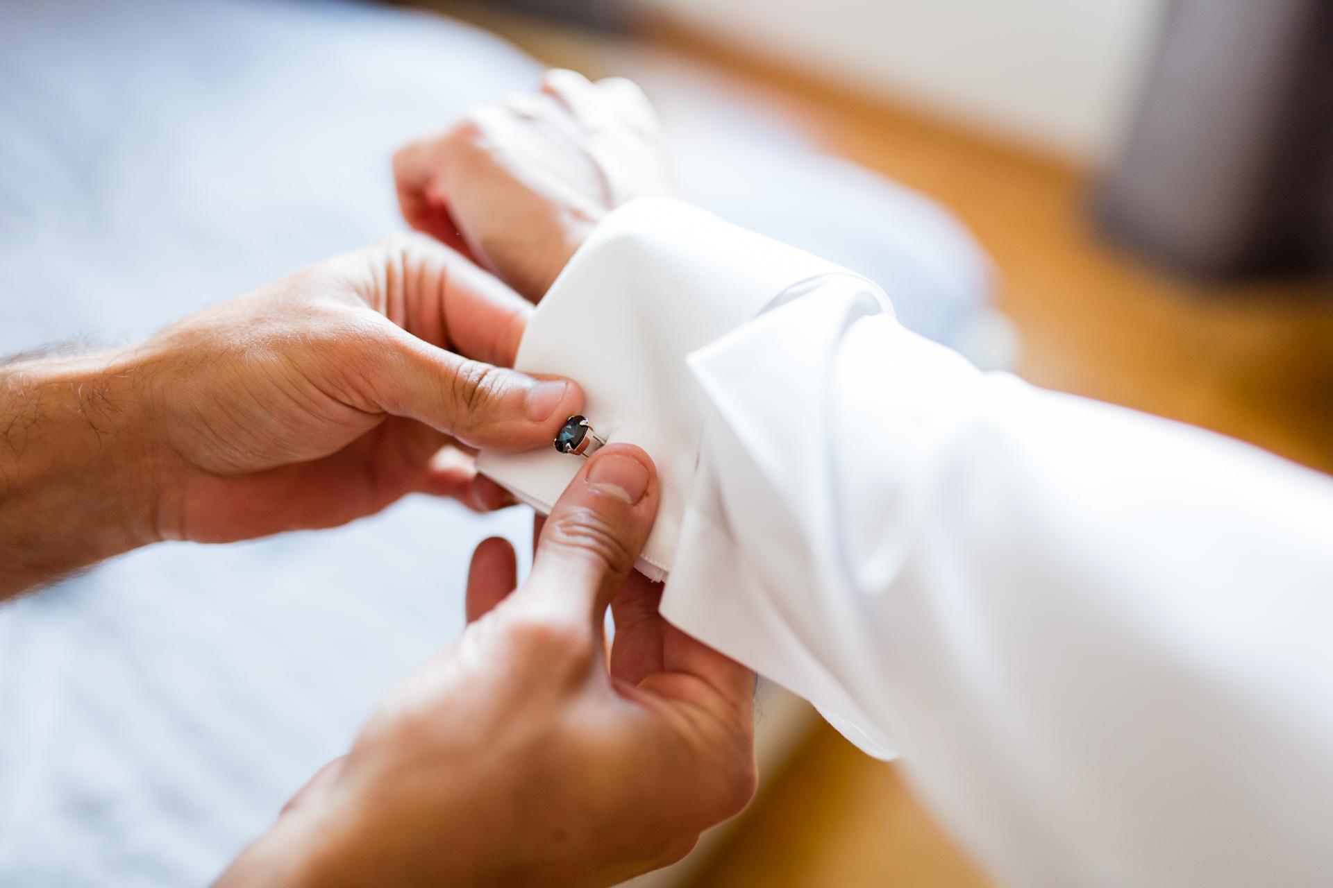 Preparatif marie chemise Geneve - Photographe Mariage
