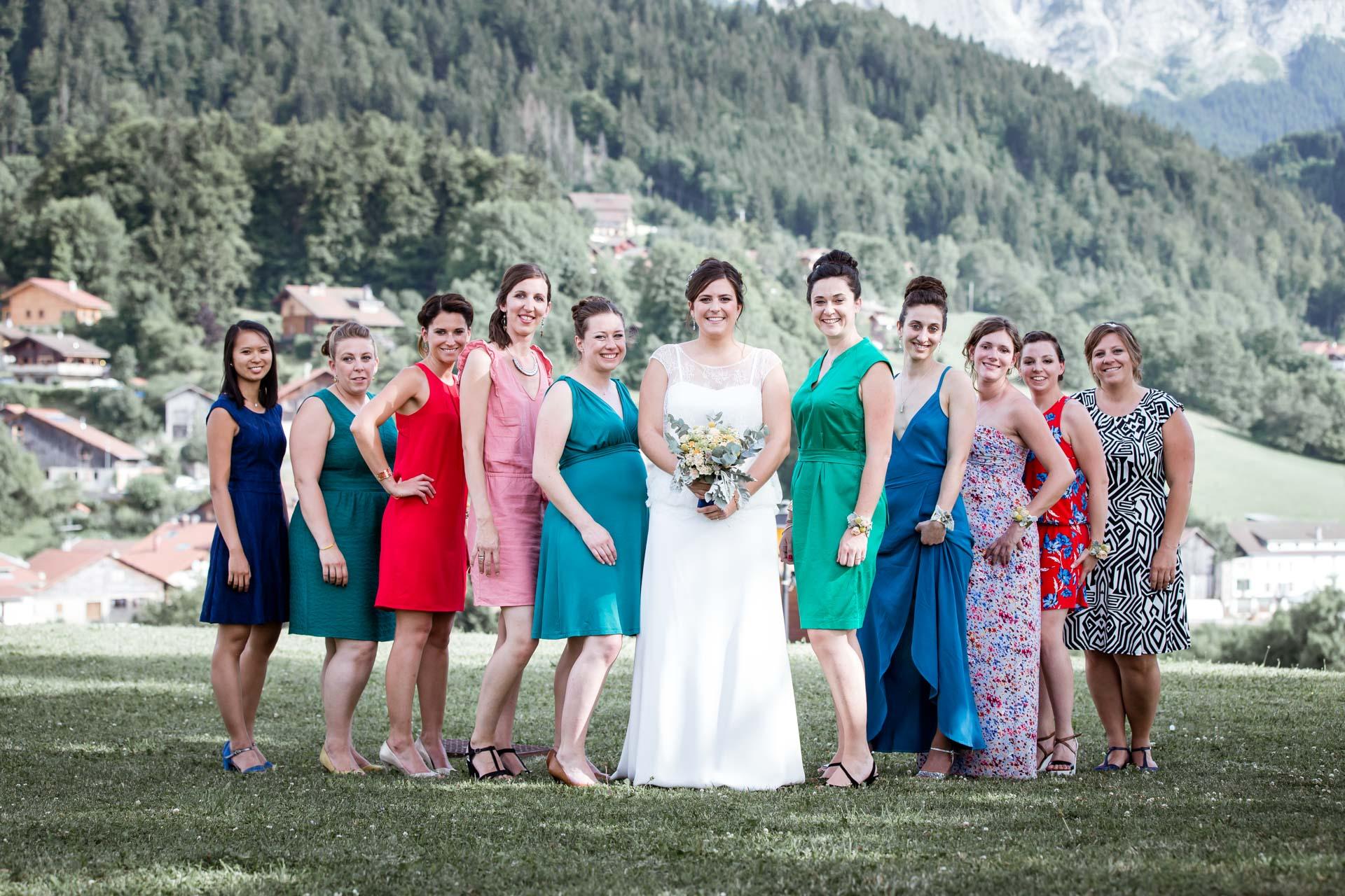 Mariage Mont Saxonnex photo de groupe bride