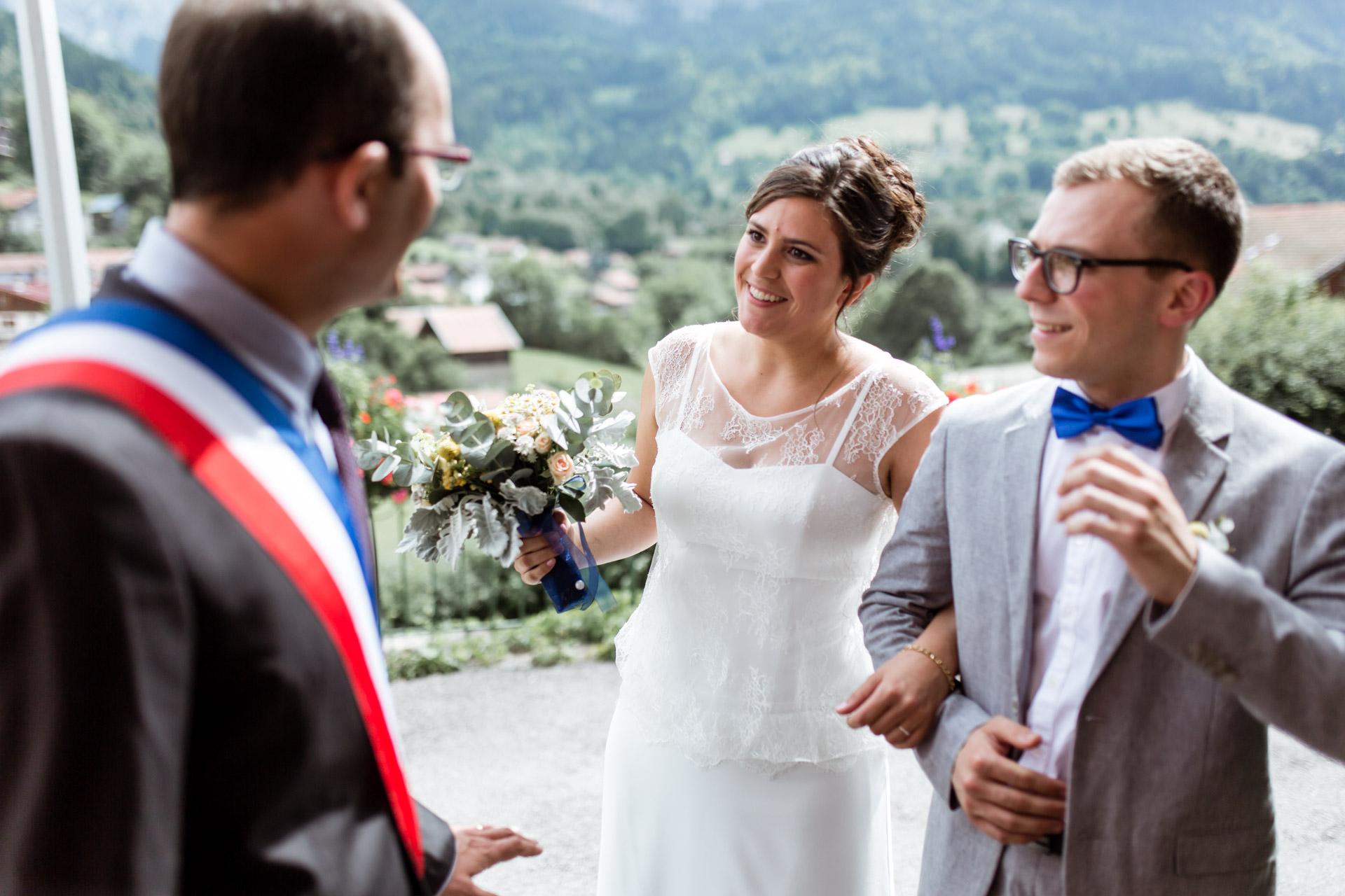 Mariage Mont Saxonnex entree mairie