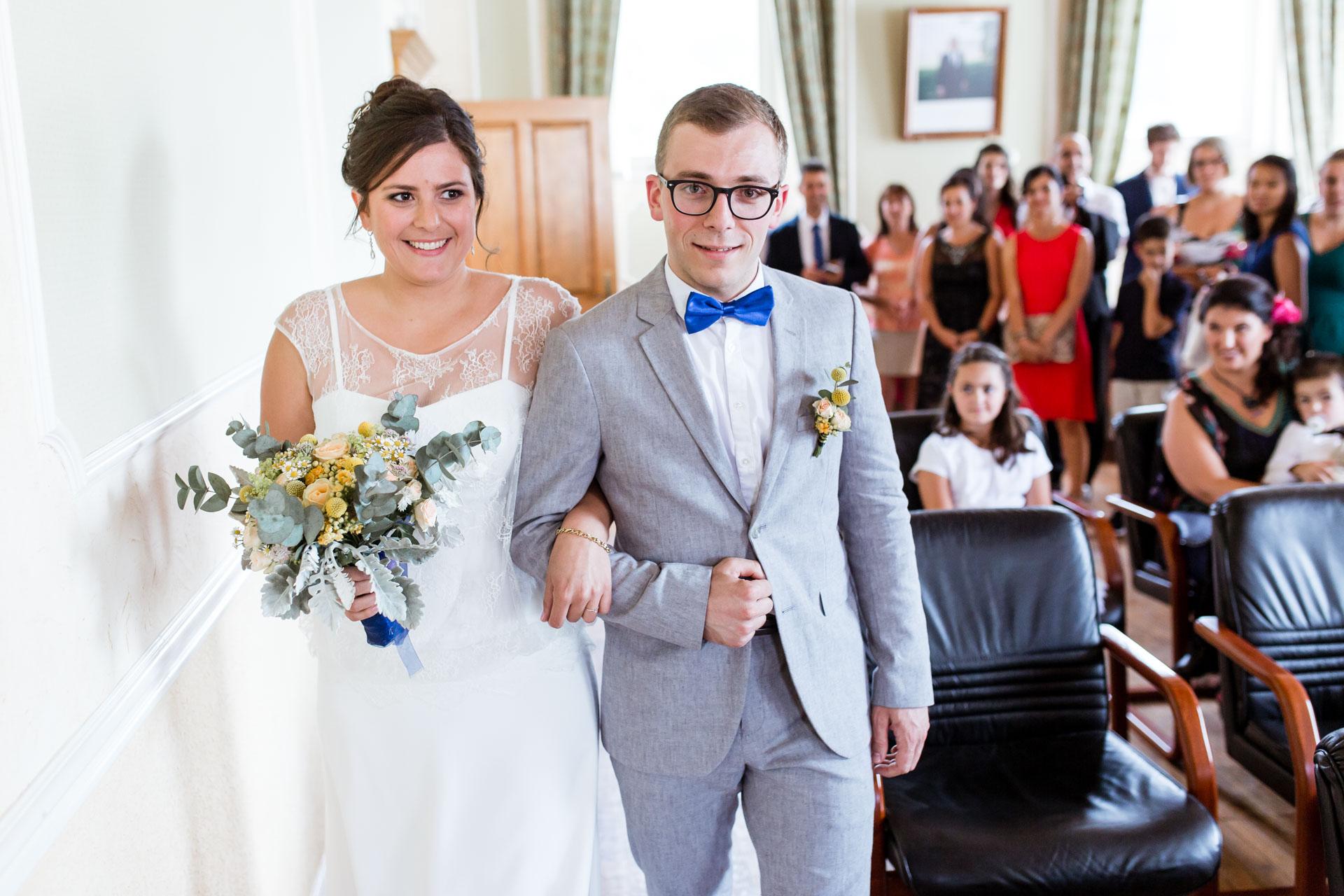 Mariage Mont Saxonnex entree mairie la mariee