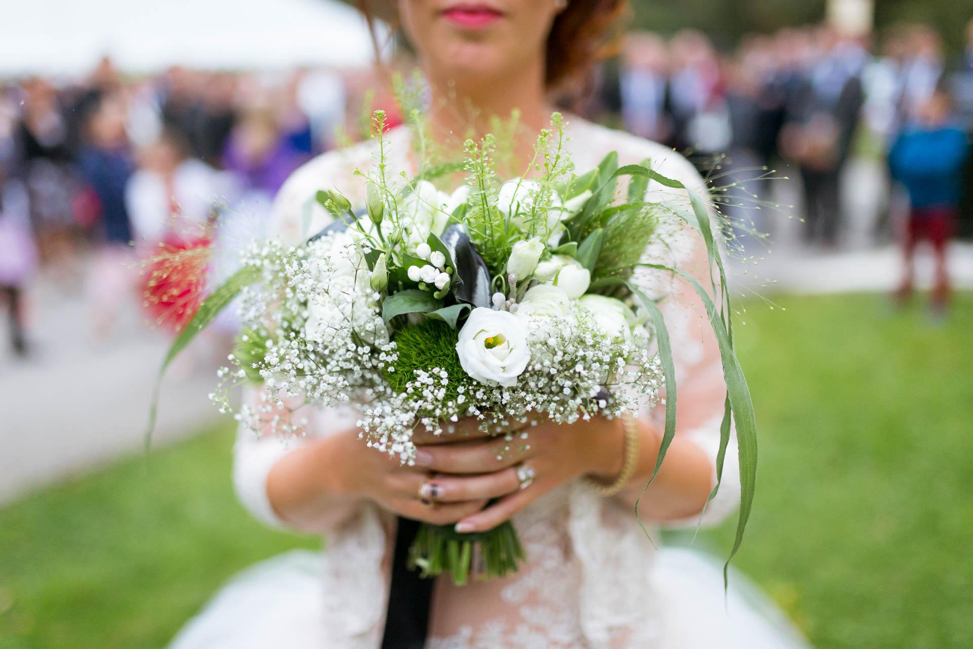 Photographe de Mariage Rock preparation bouquet