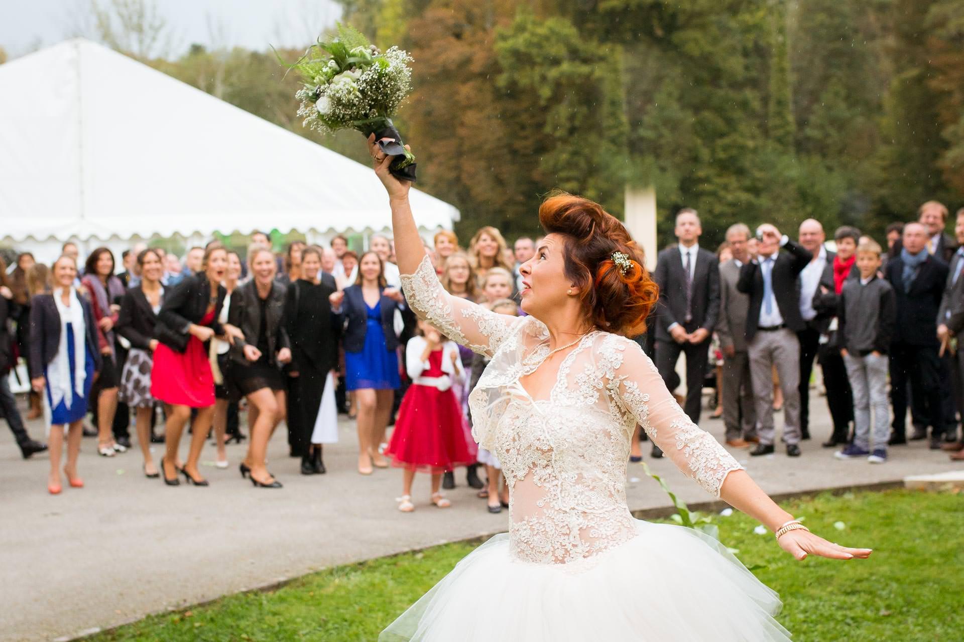 Photographe de Mariage Rock lancer de bouquet 1