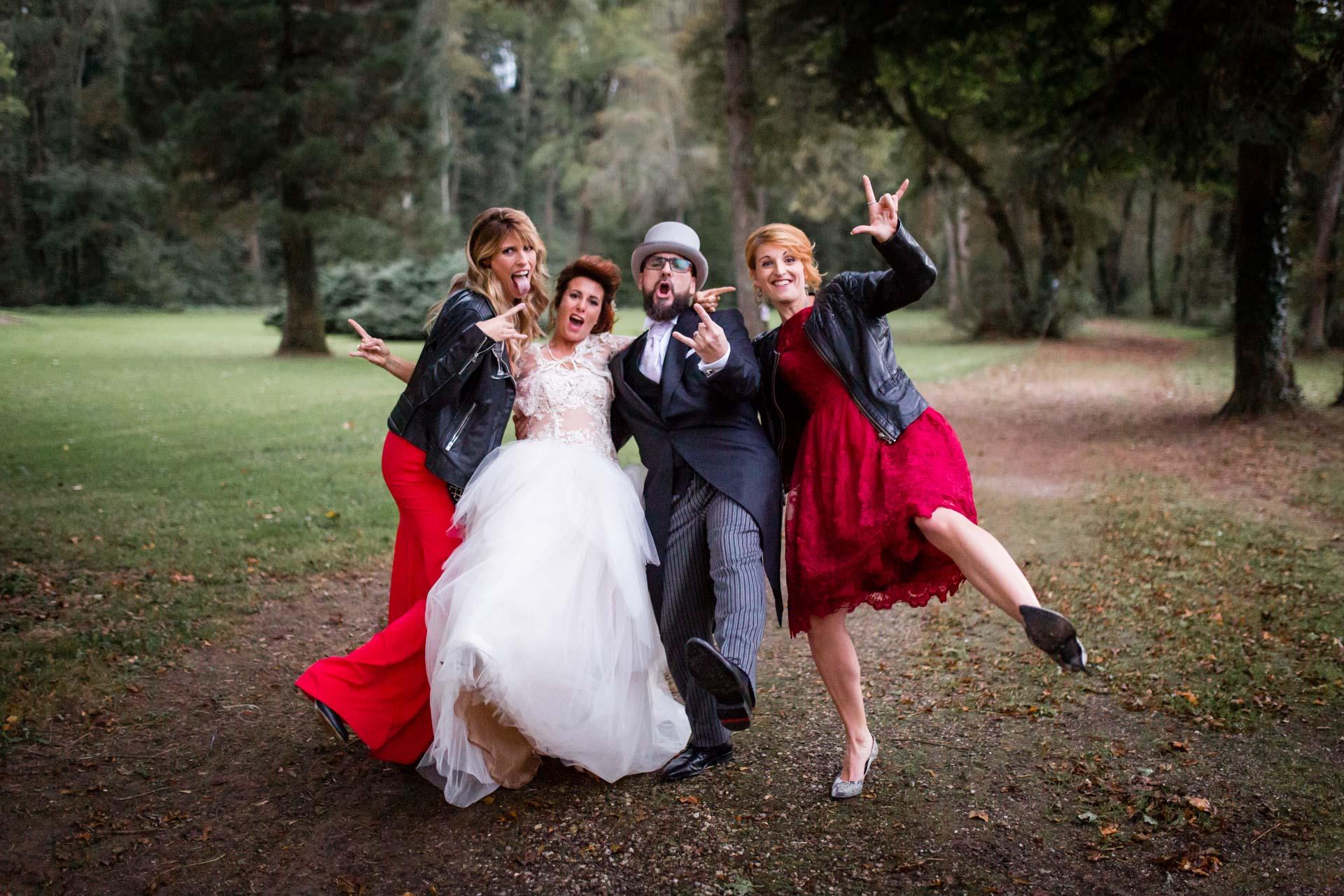 Photographe de Mariage Rock one more rocking group photos