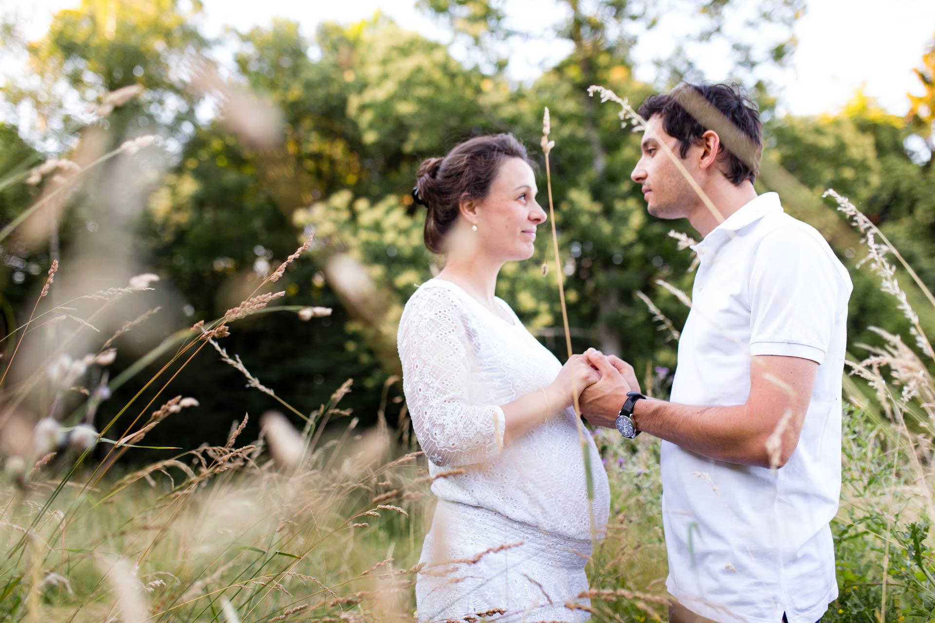 Seance Engagement Divonne Mont Mussy Clairiere couple